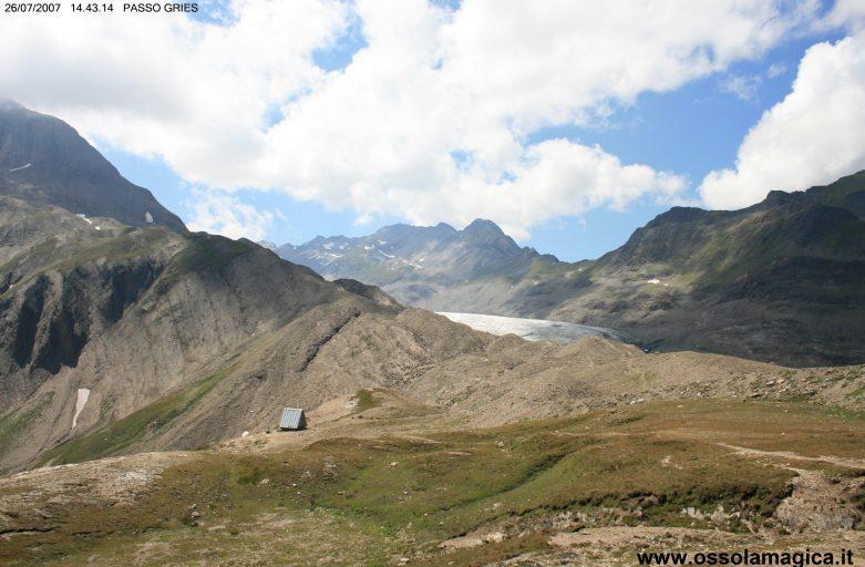 Dal lago di Morasco al passo del Gries in alta val Formazza (luglio 2007)